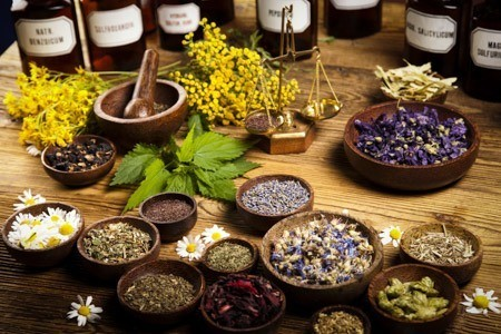 Natural Remedies That People Use As Alternatives To Modern Medecine
